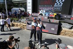 Podium: winnaars Jari-Matti Latvala, Miikka Anttila, Volkswagen Motorsport