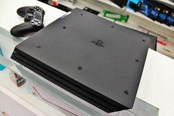 PS4 Pro-06