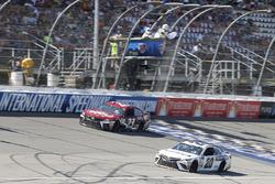 Matt Kenseth, Joe Gibbs Racing Toyota Ryan Sieg, BK Racing Toyota