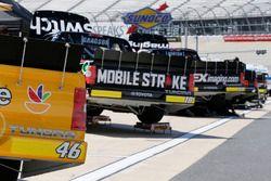 Todd Gilliland, Kyle Busch Motorsports, Toyota; Noah Gragson, Kyle Busch Motorsports, Toyota; Harris
