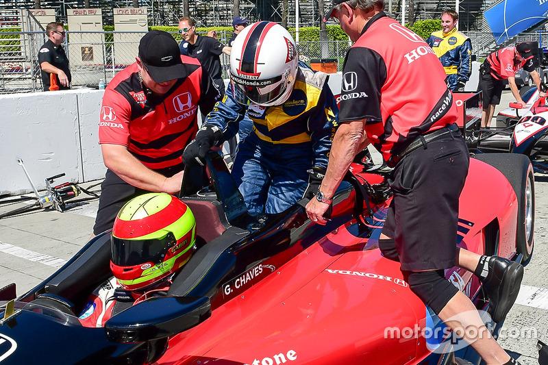 Colaborador de Motorsport.com Anne Proffit tratando la experiencia de competir con IndyCar