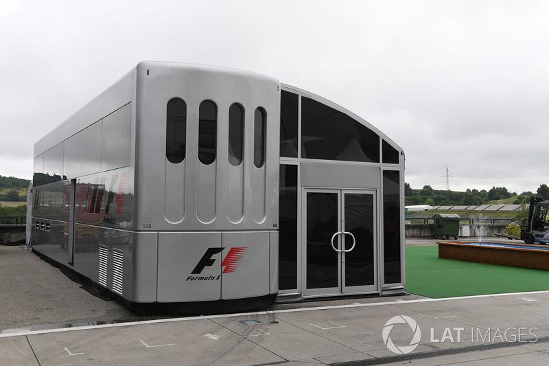 Motorhome: F1