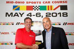 Mid-Ohio Presidente Craig Rust y el CEo de IMSA Scott Atherton