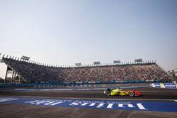 Di Grassi guia no circuito do México