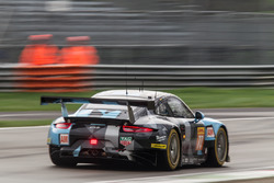 #77 Dempsey Proton Competition Porsche 911 RSR: Christian Ried, Matteo Cairoli, Marvin Dienst