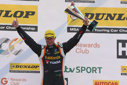 Segundo, Gordon Shedden, Halfords Yuasa Racing Honda Civic Type R
