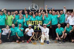 Race winnaar Valtteri Bottas, Mercedes AMG F1, Lewis Hamilton, Mercedes AMG F1