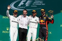 Podium: race winner Lewis Hamilton, Mercedes AMG F1, second place Valtteri Bottas, Mercedes AMG F1, third place Daniel Ricciardo, Red Bull Racing