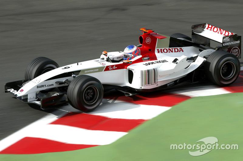 BAR en el Gran Premio de Francia 2004: en lugar del logo de Lucky Strike, apareció un código de barras