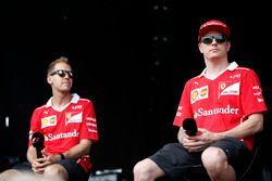 Sebastian Vettel, Ferrari, Kimi Raikkonen, Ferrari, F1 sahnesinde