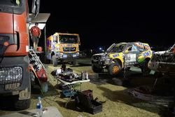 #340 KH-7 Sport: Isidre Esteve, J.M. Villalobos at the bivouac