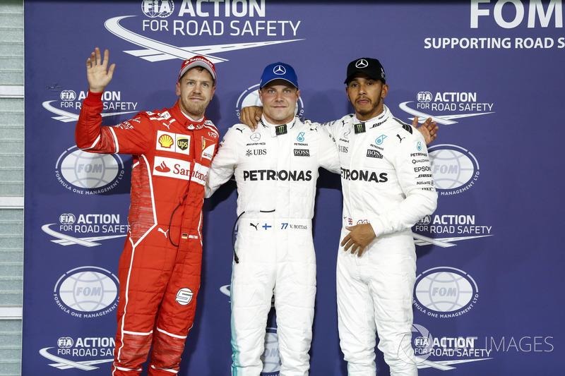 I primi tre qualificati Valtteri Bottas, Mercedes AMG F1, Lewis Hamilton, Mercedes AMG F1 e Sebastian Vettel, Ferrari