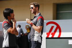 Ayao Komatsu, ingénieur de course en chef Haas F1 Team, Romain Grosjean, Haas F1 Team