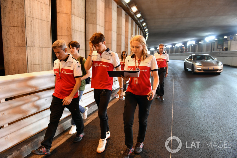 Charles Leclerc, Sauber walks the track through the tunnel with Xevi Pujolar, Sauber Head of Track Engineering and Ruth Buscombe, Sauber Race Strategist