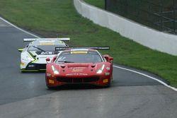 #61 R.Ferri Motorsport Ferrari 488 GT3: Toni Vilander, #55 Dream Racing Motorsport Lamborghini Huracan GT3: Yuki Harata