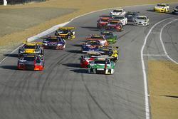 Start: #44 Audi Sport Team Magnus Audi R8: Pierre Kaffer, Kelvin van der Linde, Markus Winkelhock, #