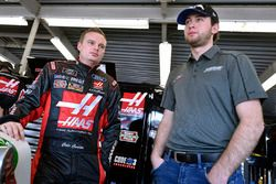 Cole Custer, Stewart-Haas Racing with Biagi-Denbeste Racing, Haas Automation Ford Mustang and Chase Briscoe