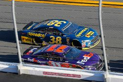Denny Hamlin, Joe Gibbs Racing Toyota and David Ragan, Front Row Motorsports Ford Fusion
