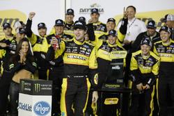 Le vainqueur Ryan Blaney, Team Penske Ford Fusion
