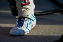 William Byron, Hendrick Motorsports Chevrolet Camaro, zapatos