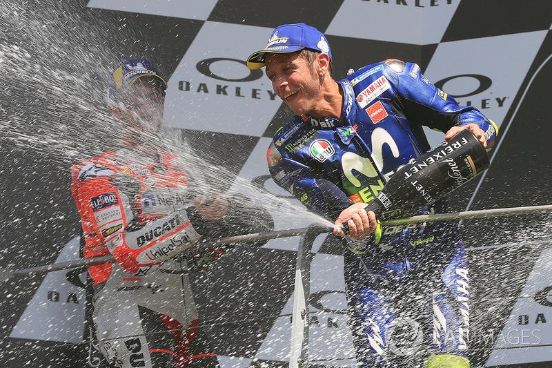 Podio: tercer puesto Valentino Rossi, Yamaha Factory Racing