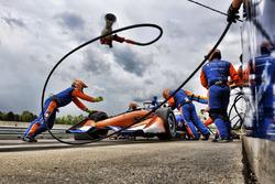 Scott Dixon, Chip Ganassi Racing Honda, pitstop
