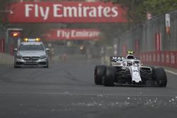 Sergey Sirotkin, Williams FW41 kırık ön süspansiyon ile