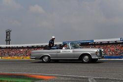 Esteban Ocon, Force India F1, lors de la parade des pilotes