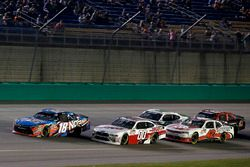 Cole Custer, Stewart-Haas Racing, Ford Mustang Haas Automation Kyle Busch, Joe Gibbs Racing, Toyota Camry NOS Energy Drink