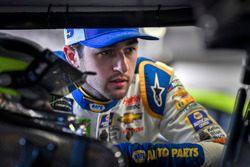 Chase Elliott, Hendrick Motorsports, Chevrolet Camaro NAPA Auto Parts, parla con Jimmie Johnson, Hendrick Motorsports, Chevrolet Camaro Lowe's for Pros