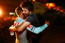 Kevin Magnussen, Haas F1 Team, festeggia il buon risultato, dopo la gara