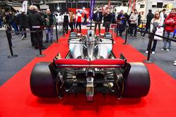Een Mercedes op de F1 Racing Stand