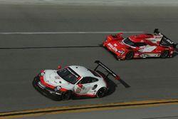 #912 Porsche Team North America Porsche 911 RSR: Gianmaria Bruni, Laurens Vanthoor, Earl Bamber, #31