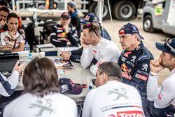Team briefing Peugeot Sport