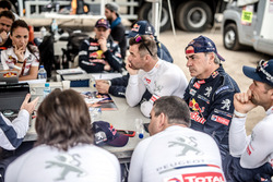 Team briefing Peugeot Sport