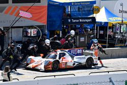 #54 CORE autosport ORECA LMP2, P: Jon Bennett, Colin Braun pit stop.