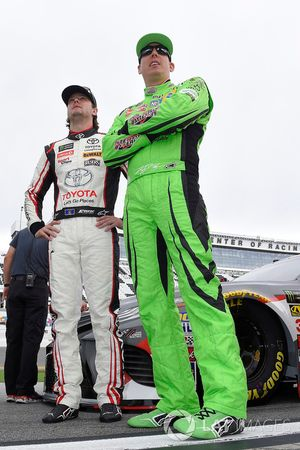Erik Jones, Joe Gibbs Racing, Toyota Camry buyatoyota.com, Kyle Busch, Joe Gibbs Racing, Toyota Camry Interstate Batteries