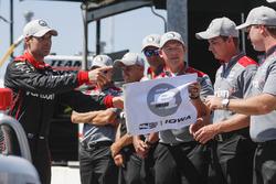 Will Power, Team Penske Chevrolet met de Verizon P1 Pole Award