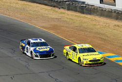 Paul Menard, Wood Brothers Racing, Ford Fusion Menards / Richmond and Chase Elliott, Hendrick Motorsports, Chevrolet Camaro NAPA Auto Parts