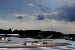 Lance Stroll, Williams FW41, Fernando Alonso, McLaren MCL33