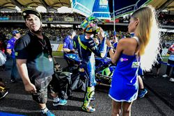 Valentino Rossi, Yamaha Factory Racing avec une Grid Girl