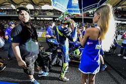 Valentino Rossi, Yamaha Factory Racing con una grid girl