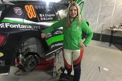 Moira Lucca in posa con la Skoda Fabia R5 del Metiorsport.it