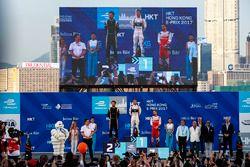 Podio: il vincitore della gara Sam Bird, DS Virgin Racing, il secondo classificato Jean-Eric Vergne,