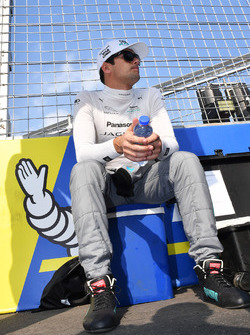 Nelson Piquet Jr., Jaguar Racing, in griglia