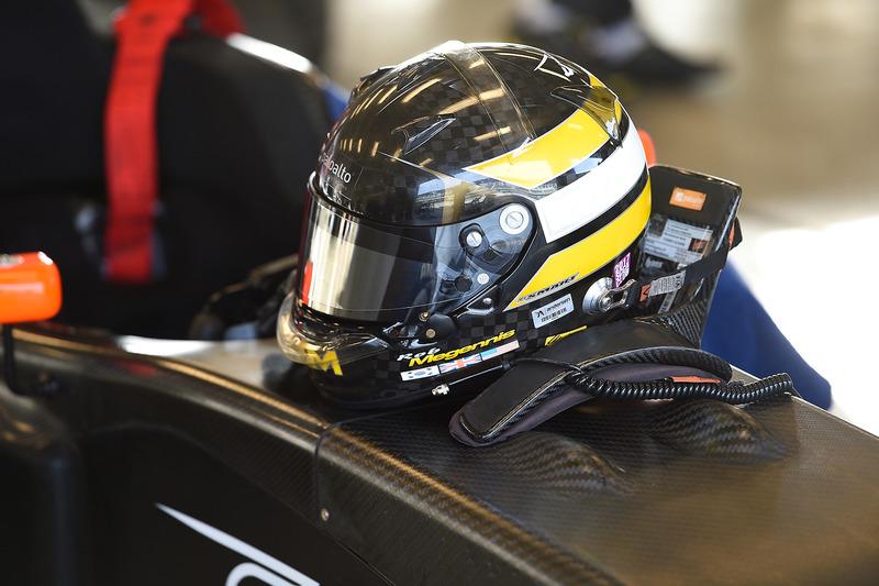 Helmet of Robert Megennis, Juncos Racing