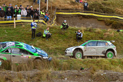 Pontus Tidemand, Jonas Andersson, Skoda Fabia R5, Skoda Motorsport passes the crashed car of Yazeed
