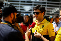 Carlos Sainz Jr., Scuderia Toro Rosso, parla con i media