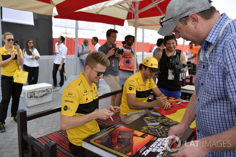 Nico Hulkenberg, Renault Sport F1 Team y Carlos Sainz Jr., Renault Sport F1