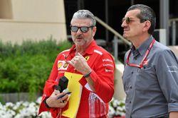 Maurizio Arrivabene, Team Principal Ferrari e Guenther Steiner, Team Principal Haas F1